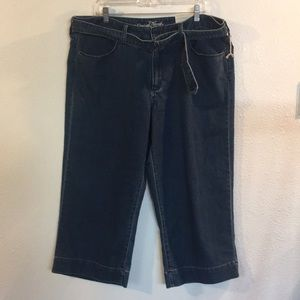Universal Thread 18/34R Crop Jeans